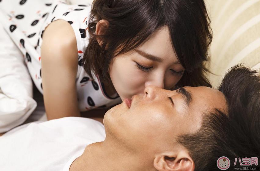 怎么接吻让男人接受不了 令男人流连忘返的接吻技巧