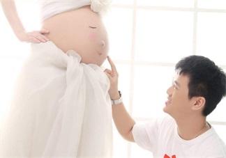 爸爸不跟胎宝宝说话会怎么样 想跟胎宝宝说话怎么说