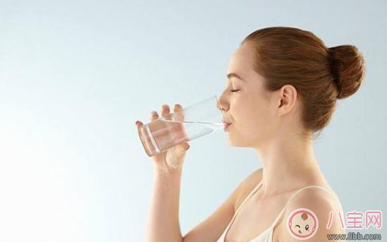 坐月子期间老是口渴是正常现象吗     坐月子口渴怎么补水