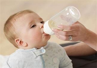 孩子吃<font color='red'>奶粉</font>不知选什么奶瓶 美国最受欢迎奶瓶推荐