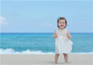 夏季宝宝不爱正常<font color='red'>吃饭</font> 如何改正宝宝饮食习惯