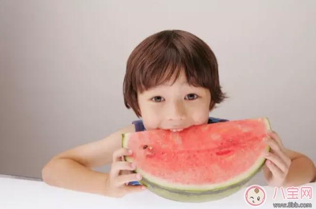 宝宝什么时候可以吃西瓜 夏天宝宝吃西瓜注意事项