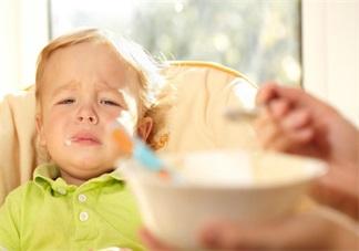 孩子夏天不愿意<font color='red'>吃饭</font> 不一定是厌食症在作祟