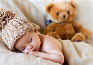 新生儿晚上到底可不可以开灯睡觉?如何引导宝宝关灯睡觉