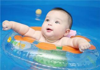 秋季宝宝有头皮屑的原因 如何天然去除孩子头皮屑