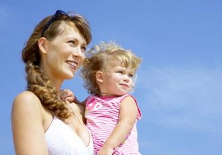 第一次带宝宝外出需要注意什么 第一次带小孩出门攻略