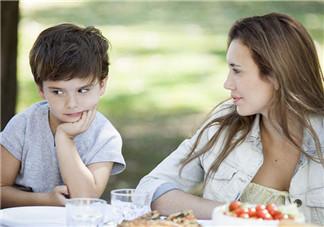 父母爱唠叨合适吗?宝宝表现明确是否唠叨过度