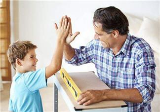 家长怎样表扬孩子才能有好的效果 父母如何高级赞美孩子
