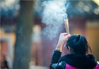 鬼月适合庙里烧香吗 鬼月烧香注意事项有哪些