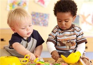 如何提高宝宝交往能力 家长应该如何做