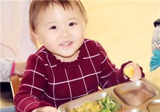 宝宝吃不惯幼儿园的饭怎么办 如何培养孩子的<font color='red'>吃饭</font>习惯