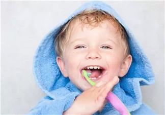 宝宝不爱刷牙 听听音乐故事小熊拔牙